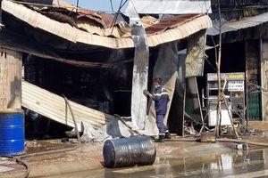 TP Hồ Chí Minh: Cháy cửa hàng sơn, nhiều tài sản bị thiêu rụi