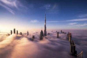 Dubai chìm trong màn sương mờ ảo tựa như 'thành phố trên mây'