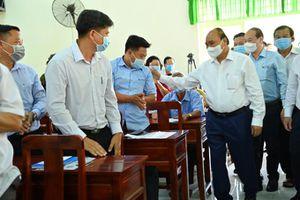 Chủ tịch nước Nguyễn Xuân Phúc tiếp xúc cử tri huyện Củ Chi
