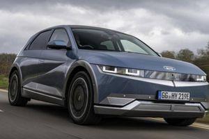 Xe điện Hyundai Ioniq 5 ra mắt, chạy 461 km mới phải sạc pin