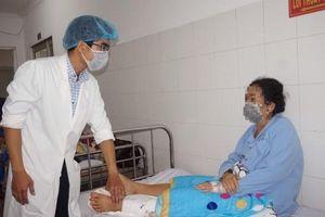 Cứu bệnh nhân bị trật khớp gối khỏi đoạn chi
