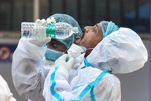 Ấn Độ bất ngờ ghi nhận ca mắc COVID-19 giảm mạnh sau nhiều ngày lập kỷ lục