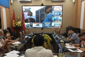 Hội chẩn trực tuyến 4 ca Covid-19 nặng, trong đó có một cụ bà tại Hà Nội