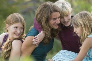 Vụ ly hôn của tỷ phú Bill Gates và vợ cũ: Con cái ghẻ lạnh bố, yêu thương mẹ