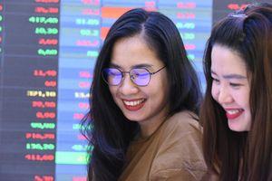 Nhà đầu tư cá nhân hưởng lợi từ sự cạnh tranh của các công ty chứng khoán