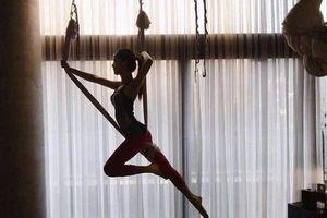 Ngắm trọn bộ ảnh Jisoo tập yoga bay: Vóc dáng đỉnh cao khiến anti-fan phải 'tắt đài'