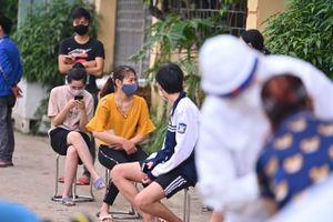 Hai người chăm bệnh nhân tại Hà Nội dương tính với nCoV