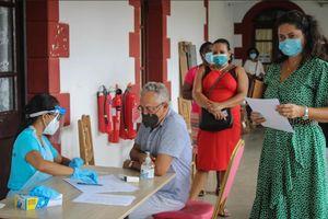 Seychelles đi đầu tiêm vaccine Trung Quốc, ca nhiễm tăng bất thường