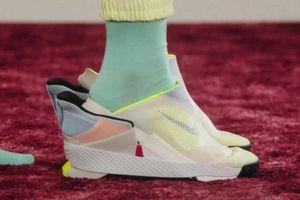 Giày Nike đi không cần dùng tay và các thiết kế sneakers độc lạ
