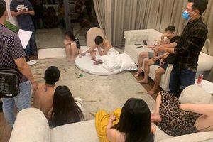 Nghệ An: Bắt nhóm thanh niên thuê villa sử dụng ma túy giữa mùa dịch