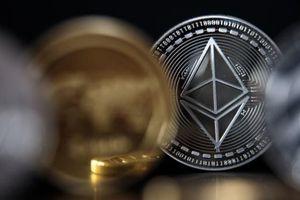 Ethereum tăng 'nóng' 450% kể từ đầu năm 2021, Bitcoin bị 'lu mờ', hoài nghi về bong bóng tiền điện tử