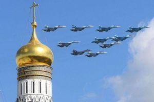 Xem dàn máy bay chiến đấu của Nga tỏa sáng trong Lễ duyệt binh Ngày Chiến thắng