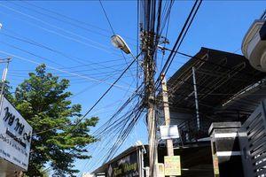 Ninh Thuận: Khắc phục tình trạng cáp viễn thông gây mất an toàn, mỹ quan