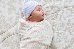 Sai lầm khi chăm sóc trẻ sơ sinh bạn phải biết