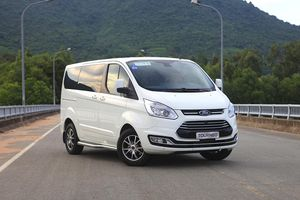 Ảnh hưởng dịch Covid-19, MPV Ford Tourneo sẽ dừng sản xuất tại Việt Nam