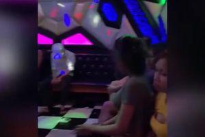 Công an Bình Phước bắt quả tang 17 đối tượng 'bay lắc' trong quán karaoke