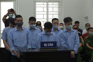 Hà Nội: Xét xử cựu Thanh tra Giao thông nhận hối lộ bảo kê logo 'xe vua'