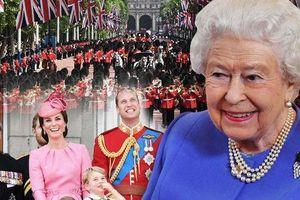 Sống kiên cường như Nữ hoàng Elizabeth II: Đừng để những drama trong cuộc sống hạ gục bạn!