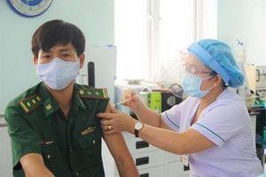 Triển khai tiêm vắc- xin cho cán bộ, chiến sỹ biên phòng Tây Ninh