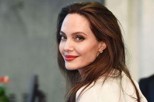 Ai kéo Angelina Jolie trở lại?