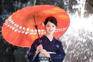 Nghề làm ô đẹp như tranh vẽ ở Nhật
