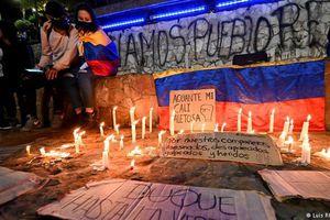 Lãnh đạo biểu tình sinh viên Colombia bị bắn chết