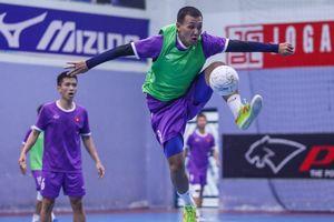 Quả bóng Vàng futsal Việt Nam nổi bật trong buổi tập của đội tuyển