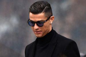 Ronaldo nghỉ tập đi sắm siêu xe