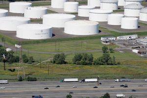 Dân Mỹ 'điên cuồng' mua tích trữ xăng sau vụ tấn công mạng Colonial Pipeline