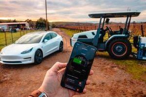 Máy nông nghiệp tự hành chạy điện giá 50.000 USD