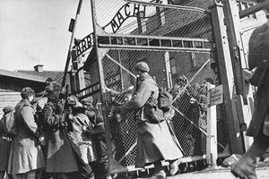 Liên Xô đã làm gì với những 'trại tử thần' của phát xít Đức sau chiến thắng