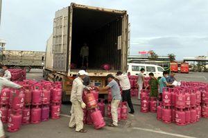 Hàng trăm vỏ bình gas 'vi hành'