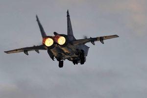 Tiêm kích MiG-31 của Nga đánh chặn máy bay quân sự Na Uy trên biển Barents