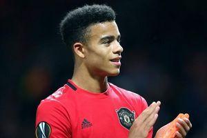 Chuyển nhượng cầu thủ Man Utd: Tiếp cận mục tiêu Raphael Varane; Cavani và Mason Greenwood chơi tốt, tiết kiệm tiền chuyển nhượng cho Quỷ đỏ
