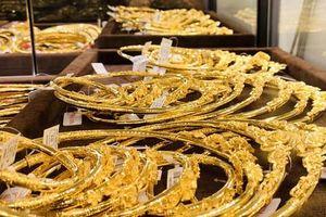 Sau khi tăng liên tiếp, giá vàng giảm nhỏ giọt
