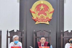 Hoãn xét xử nhóm thanh tra giao thông bảo kê 'xe vua' tại Hà Nội