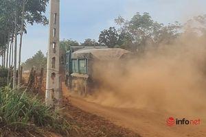Đắk Lắk: Xe chở đá đại náo đường làng, bụi mù mịt cả ngày lẫn đêm