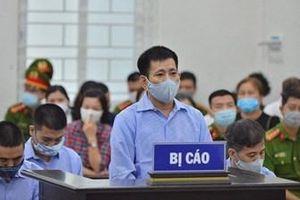 Hoãn phiên xét xử 4 cựu cán bộ Thanh tra Giao thông 'bảo kê' xe tải