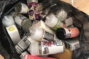 Xử lý nhiều cơ sở kinh doanh ở TP Vinh công khai bán thuốc lá điện tử