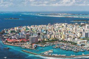 Maldives ngừng cấp thị thực cho khách từ các nước Nam Á