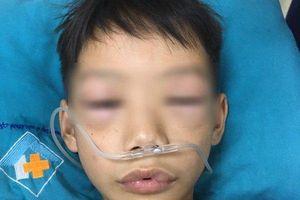 Cứu sống bé trai 10 tuổi bị sốc phản vệ nặng do uống thuốc tự mua