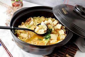 Đừng vứt bỏ phần đầu tôm, đem nấu với đậu phụ và cải thảo sẽ tạo nên món ăn ngon nhớ đời