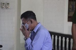 Giúp chuyển 'hàng cấm' để lấy 500.000 đồng tiền công, người đàn ông bật khóc khi lĩnh bản án 15 năm tù