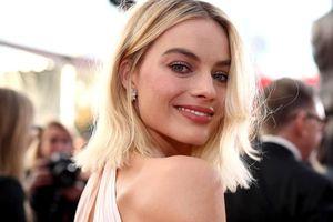 Bí quyết làm đẹp chẳng giống ai của Margot Robbie
