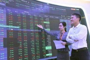 Cổ phiếu 'xanh mướt' toàn sàn, VN-Index có thêm hơn 13 điểm