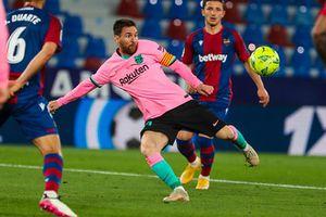 Barca lại hụt bước trong cuộc đua vô địch