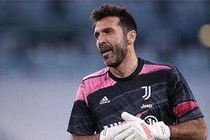 Buffon chia tay Juventus vào cuối mùa