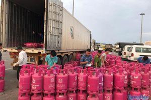 Phát hiện vụ vận chuyển gần 1.000 vỏ bình gas không rõ nguồn gốc