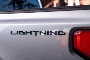 Mẫu bán tải Ford F-150 chạy điện cuối cùng cũng có tên chính thức