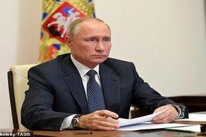 Ông Putin điện đàm gấp về vụ xả súng kinh hoàng ở Kazan